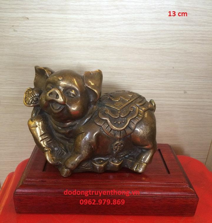 Tượng lợn bằng đồng phong thủy cho người tuổi Hợi