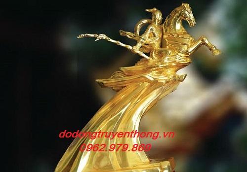Tượng thánh gióng mạ vàng 9999 quà tặng cao cấp